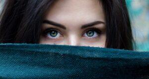 Instagram eyes captions